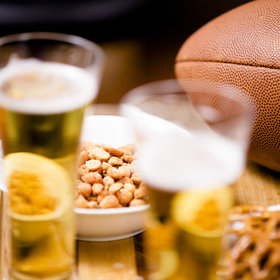 Food & Wine: Drinkers Plan to Spend $44 on Alcohol for the Super Bowl