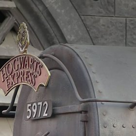 Food & Wine: Mark Your Calendars Now to Get Tickets for Christmas Dinner At Hogwarts