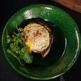 mkgalleryamp; Wine: Alice Waters' Secret for Preparing an 'Egg on a Spoon'