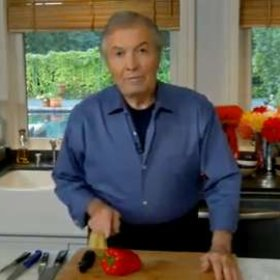 Food & Wine: Jacques Pépin: Peeling Peppers