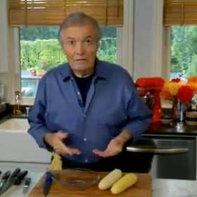 Food & Wine: Jacques Pépin: Shucking and Trimming Corn