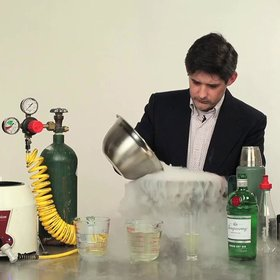 Food & Wine: Watch Master Mixologist Dave Arnold Reinvent the Gin & Tonic