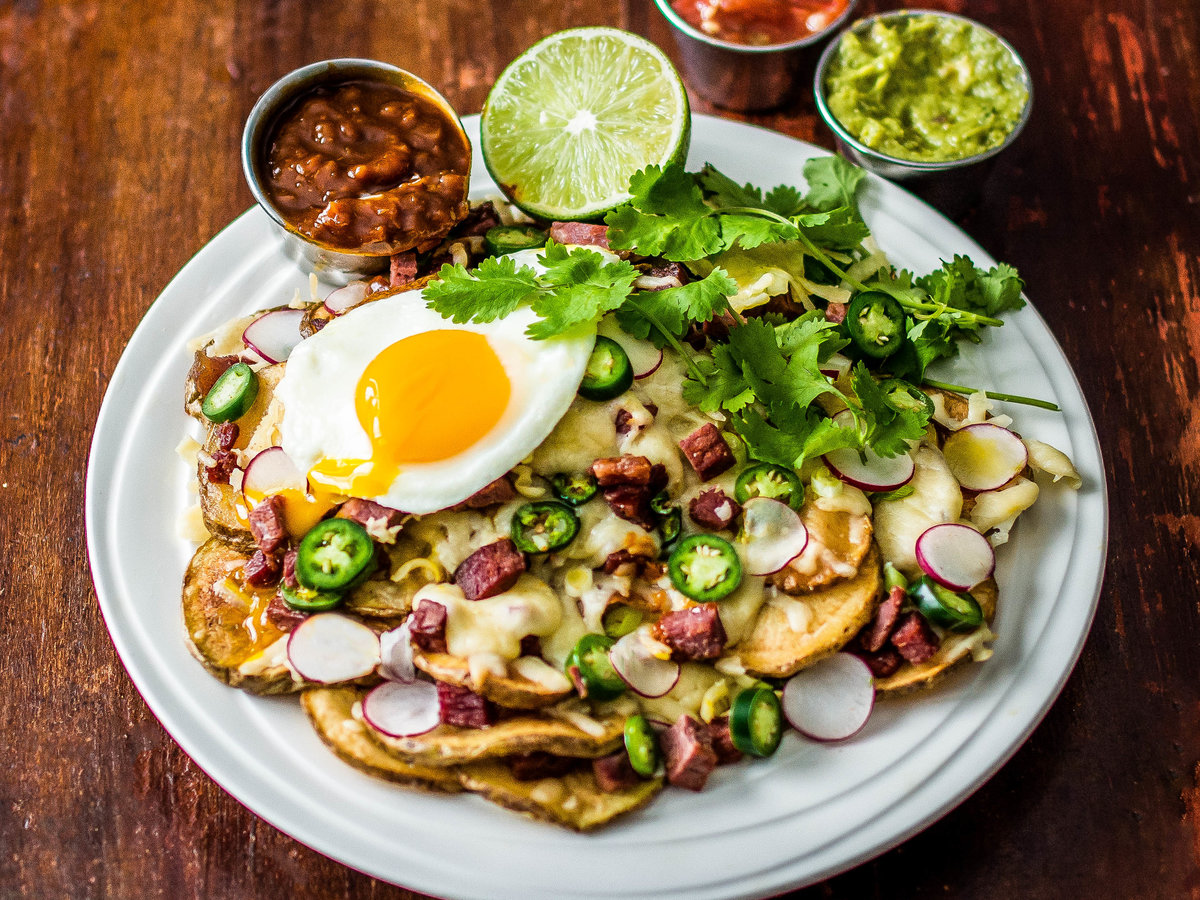 FWX STACKED CORNED BEEF NACHOS