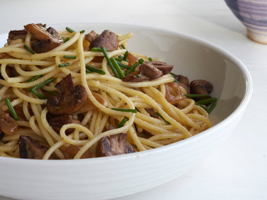 original-201307-r-spaghetti-with-garlicky-marsala-mushrooms.jpg
