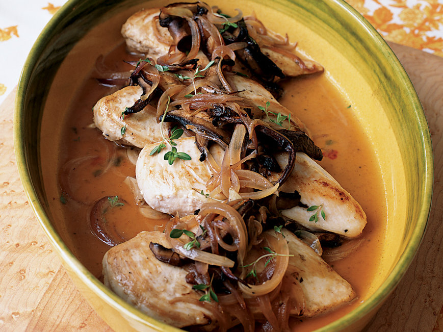 200410-r-chicken-breasts-with-red-onions-and-thyme-fw200410_111chicken.jpg
