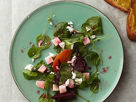 original-201307-r-watercress-salad-with-beets-and-roasted-garlic-crostini.jpg