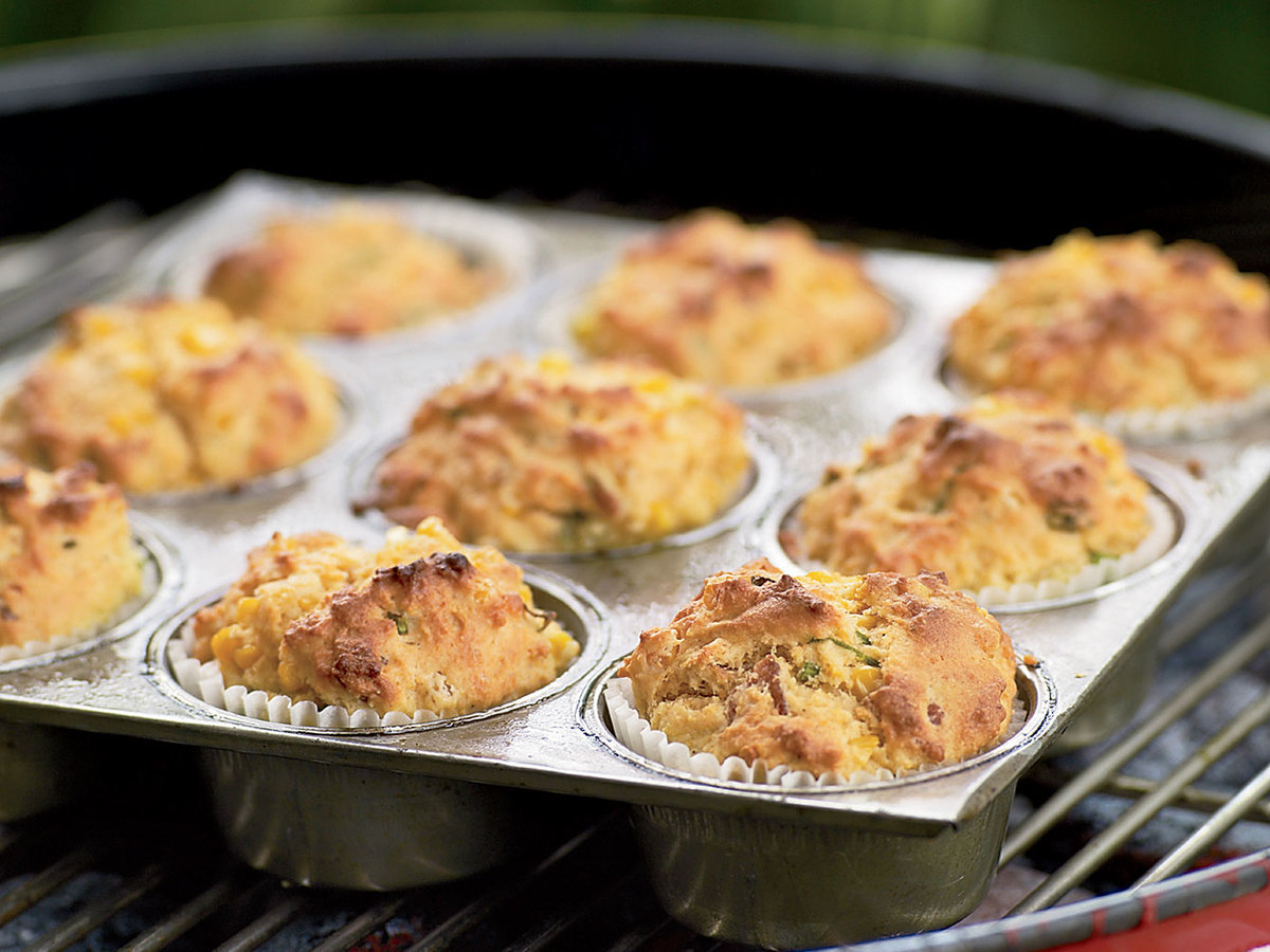 200806-r-bacon-scallion-muffin.jpg