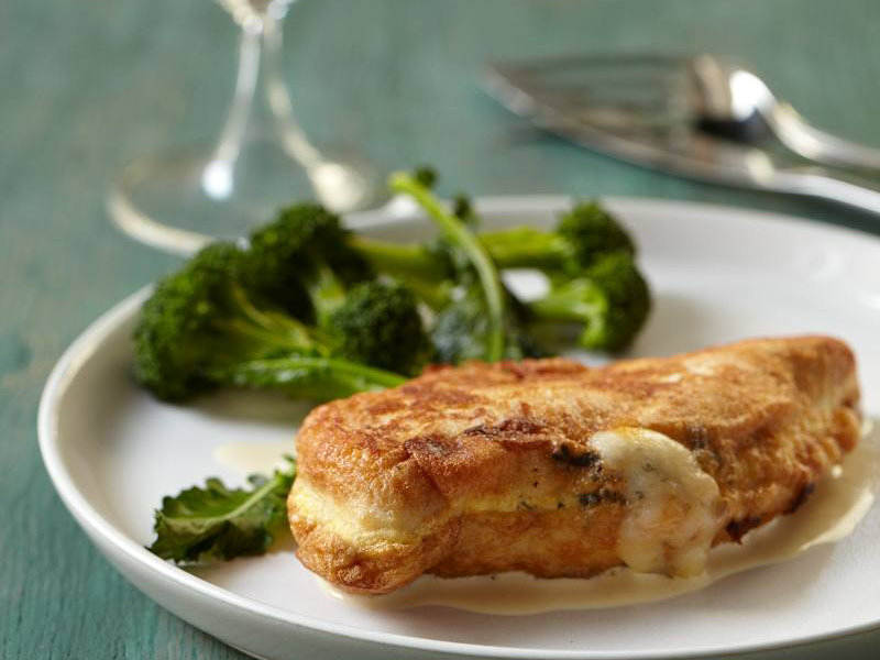 200912-r-stuffed-chicken.jpg