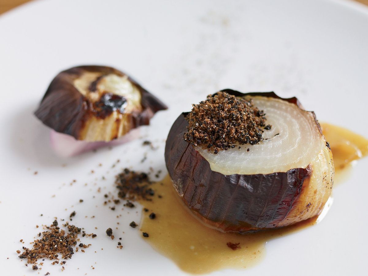 200902-r-roasted-onion.jpg