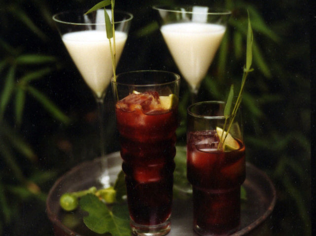 200906-r-pomegranate-drinks.jpg
