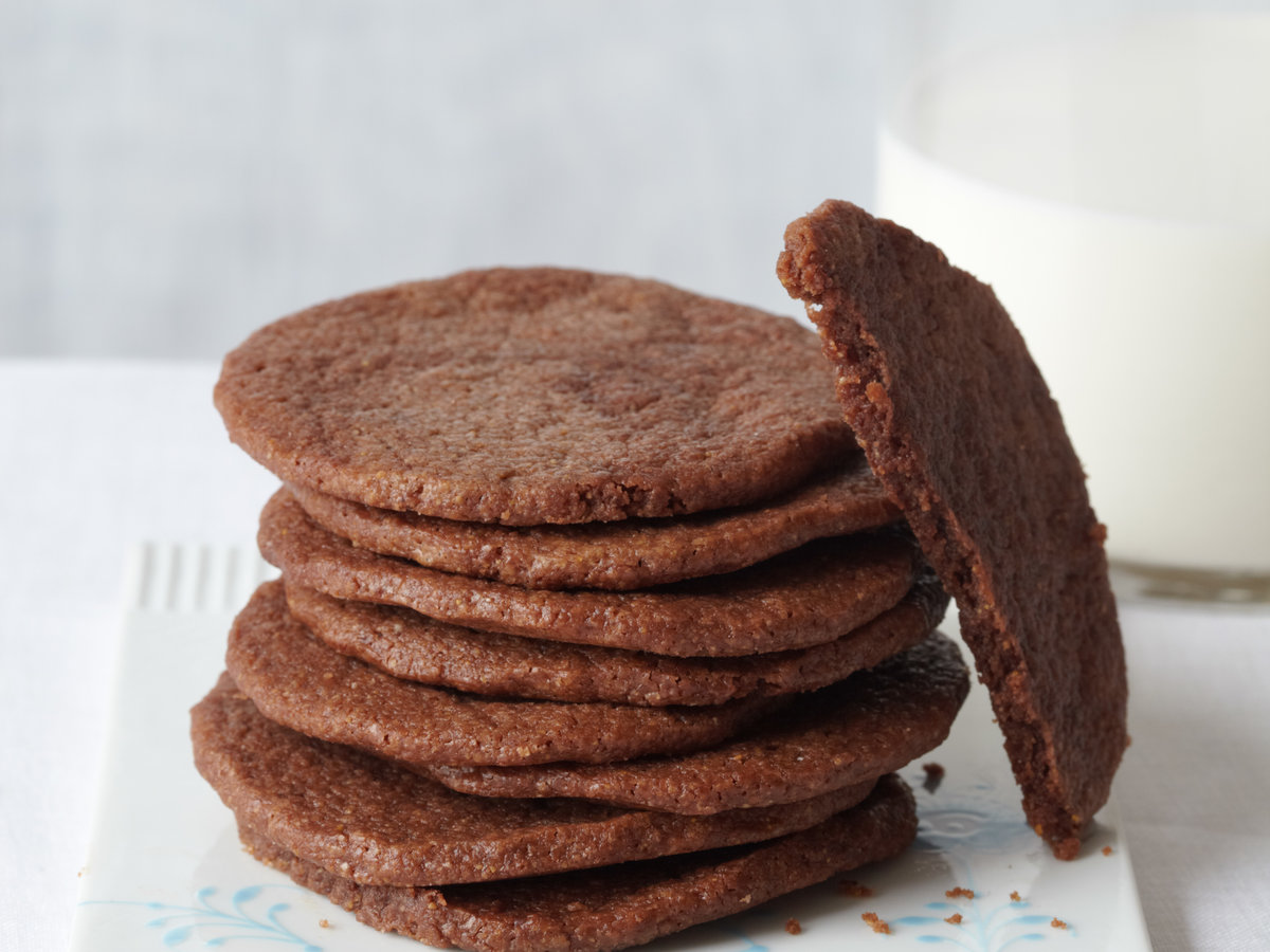 201010-r-chocolate-cookies.jpg