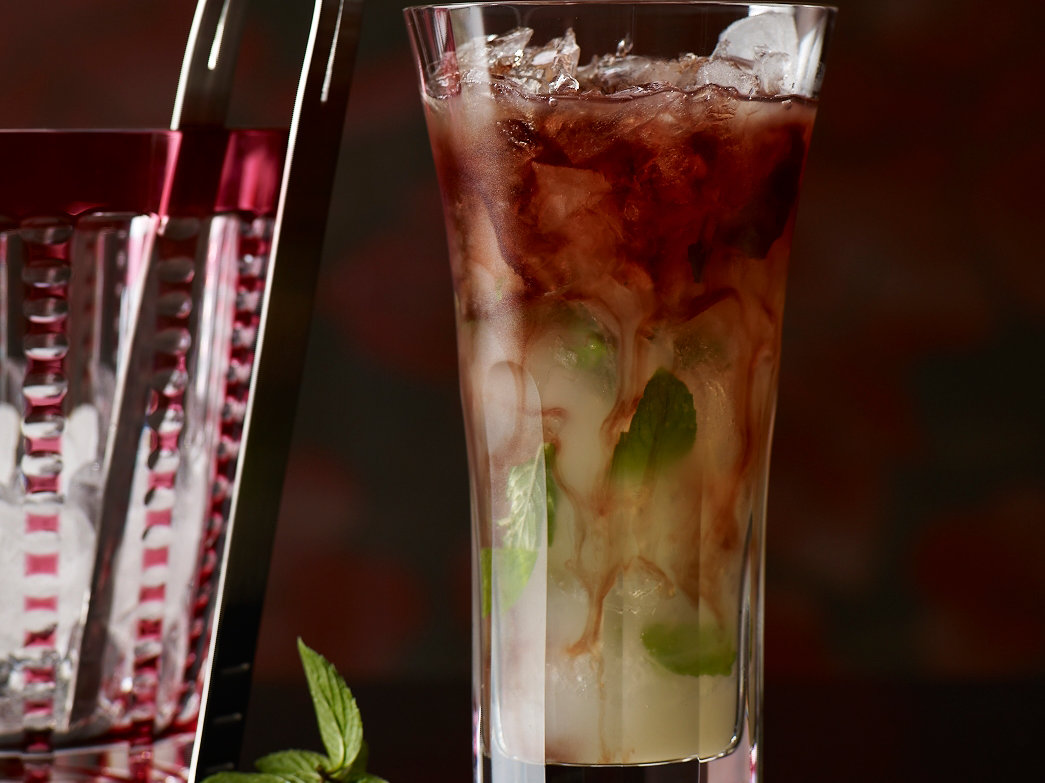 2010-r-cocktail-gin-genie.jpg