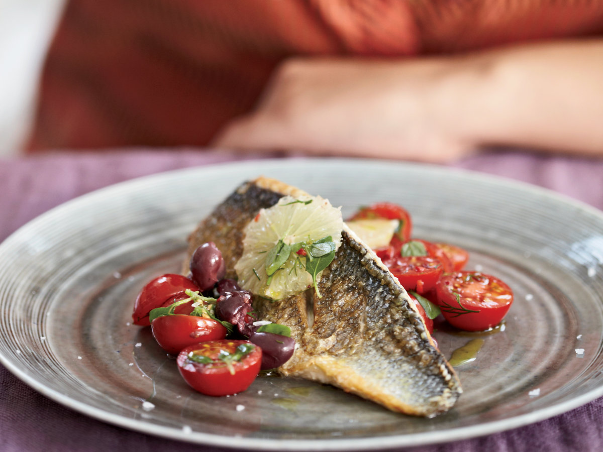 201003-r-sea-bass-with-salsa.jpg