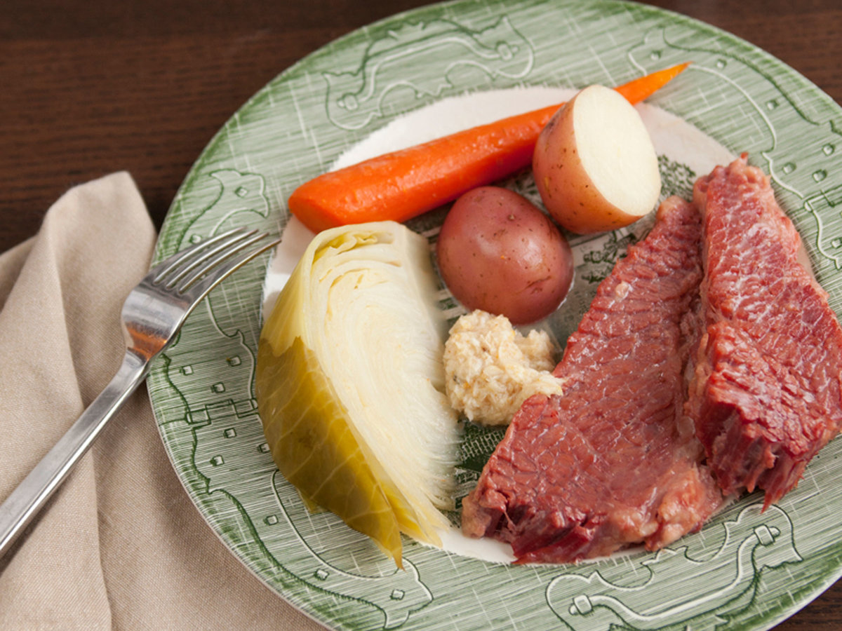 original-201303-r-Slow-Cooker-Corned-Beef-with-Cabbage-Carrots-and-Potatoes.jpg