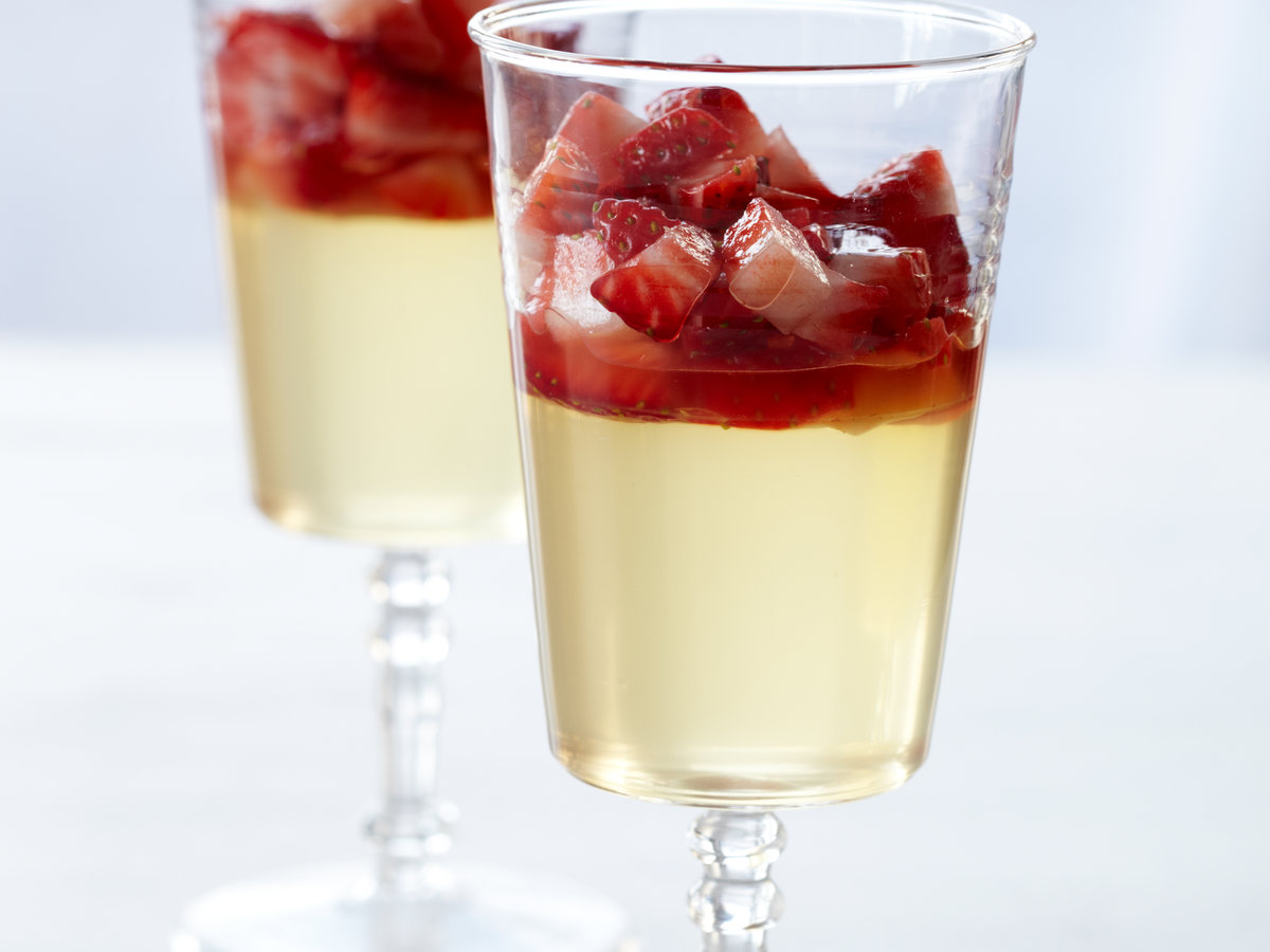 201012-r-strawberry-prosecco-gelee.jpg