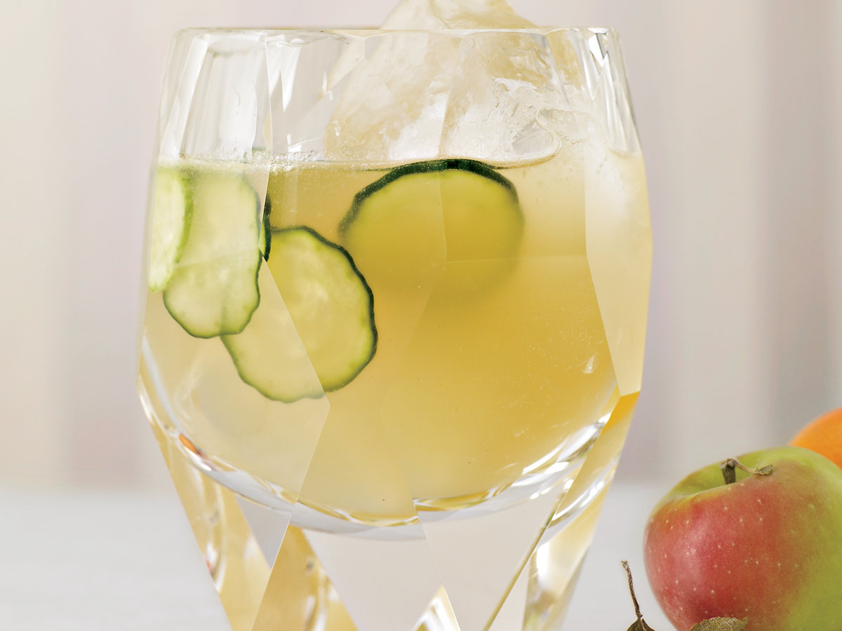 2011-cocktails-apples-to-oranges.jpg