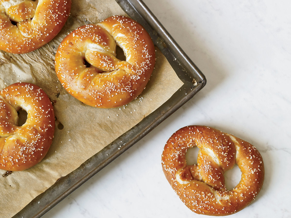201101-r-german-pretzels.jpg