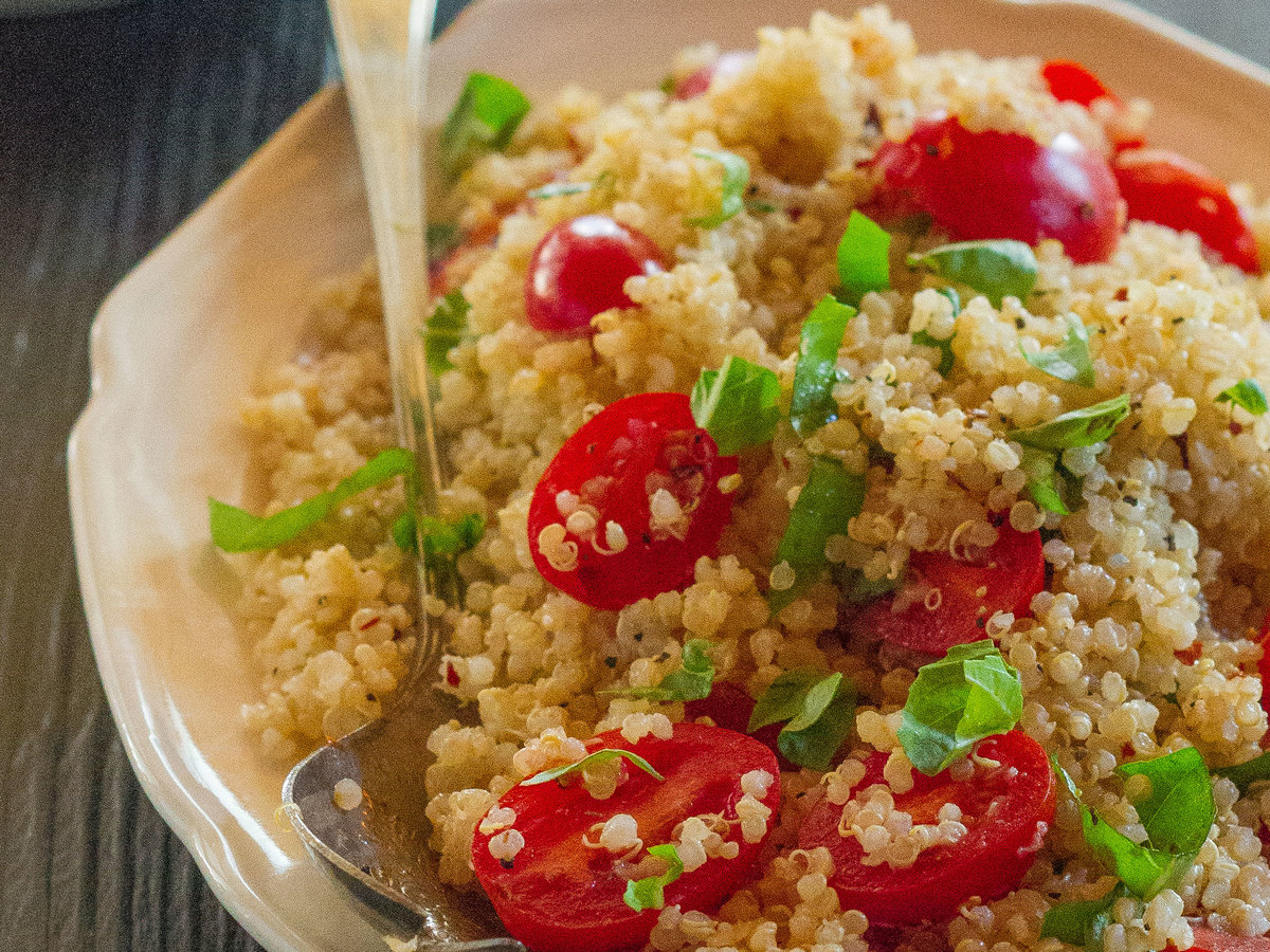 original-201311-r-quinoa-salad-with-tomatoes-and-basil.jpg