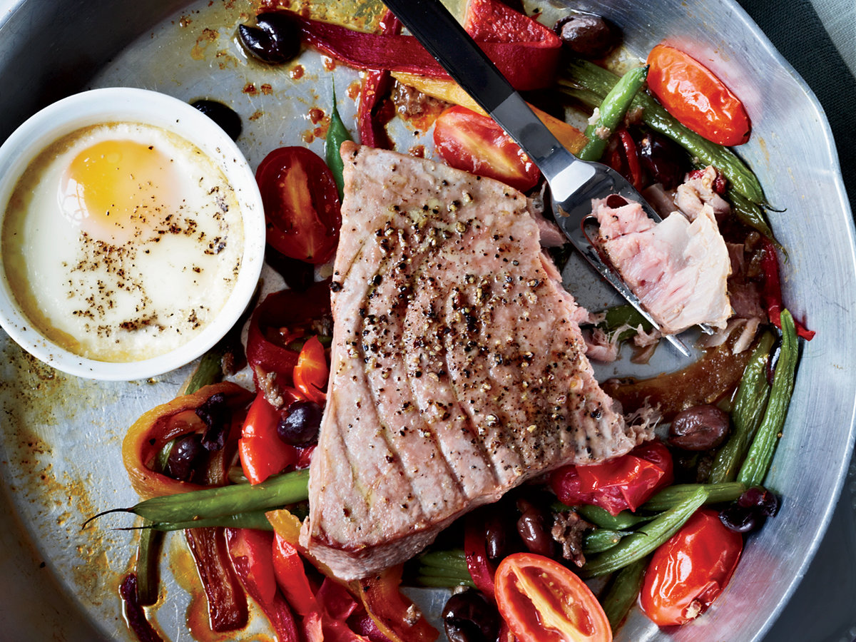 201104-r-hot-nicoise-salad.jpg