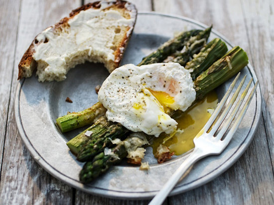 original-201303-r-parmesan-asparagus-with-poached-eggs.jpg