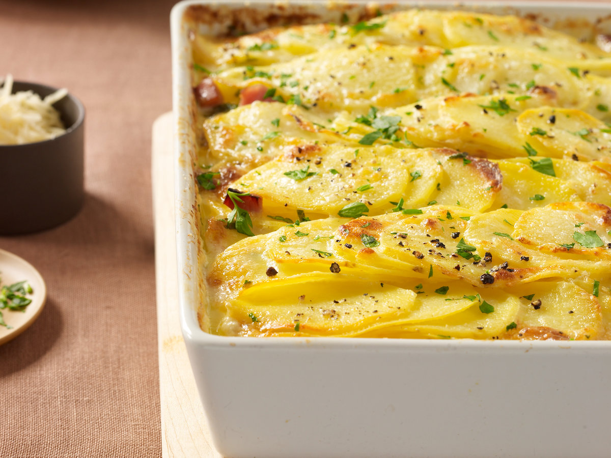 201109-r-scalloped-potatoes-ham.jpg