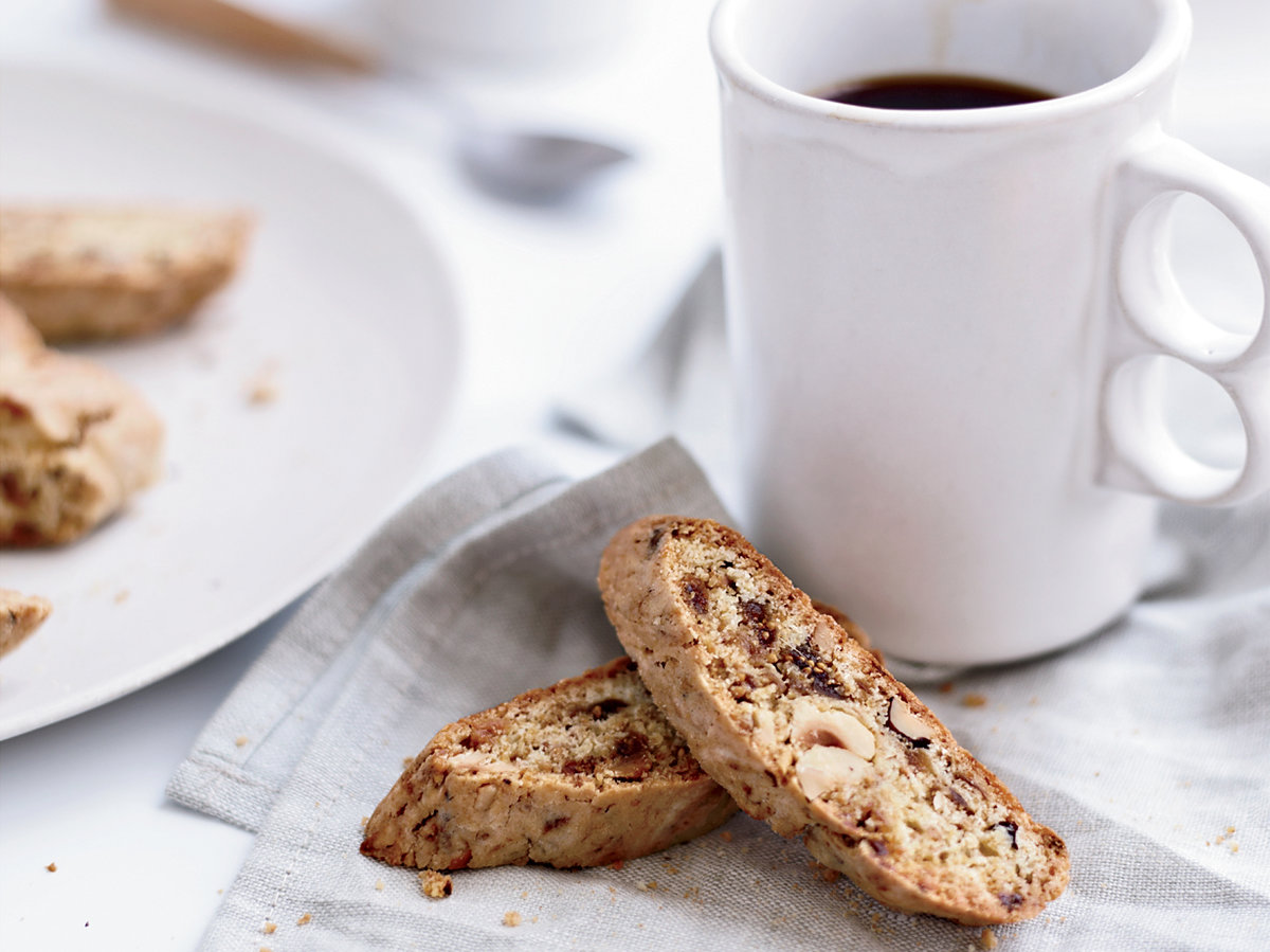 original-2013-r-buttery-hazelnut-fig-biscotti.jpg
