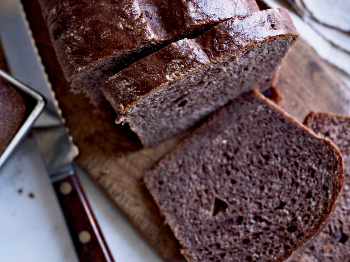 201110-r-chocolate-brioche-with-sichuan-peppercorns.jpg
