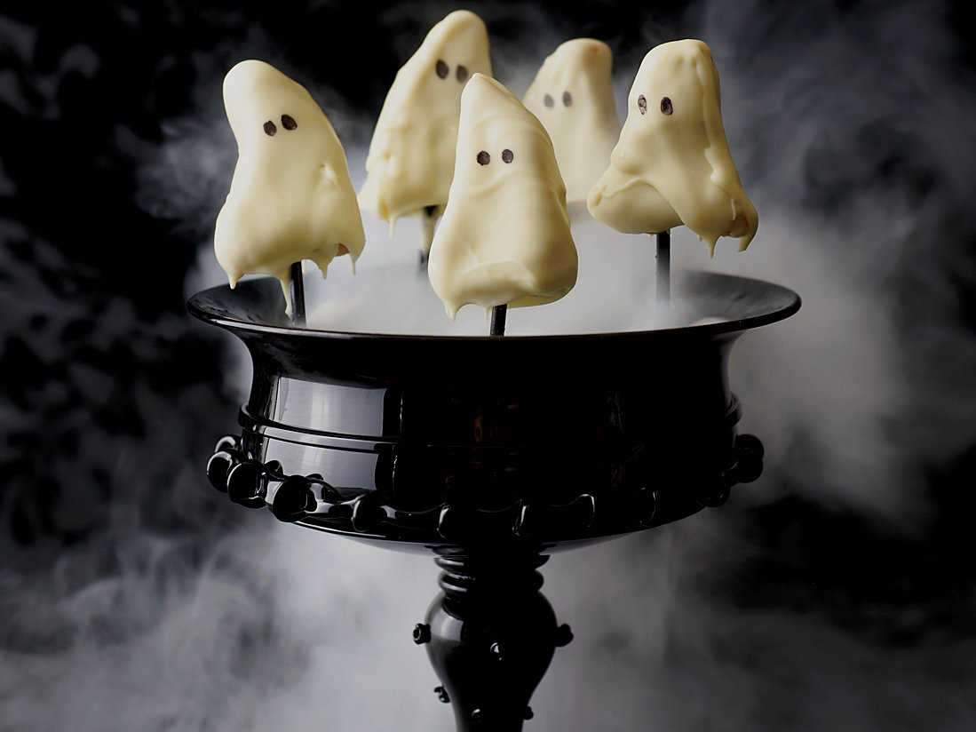 201110-r-ghostly-lemon-cake-pops.jpg