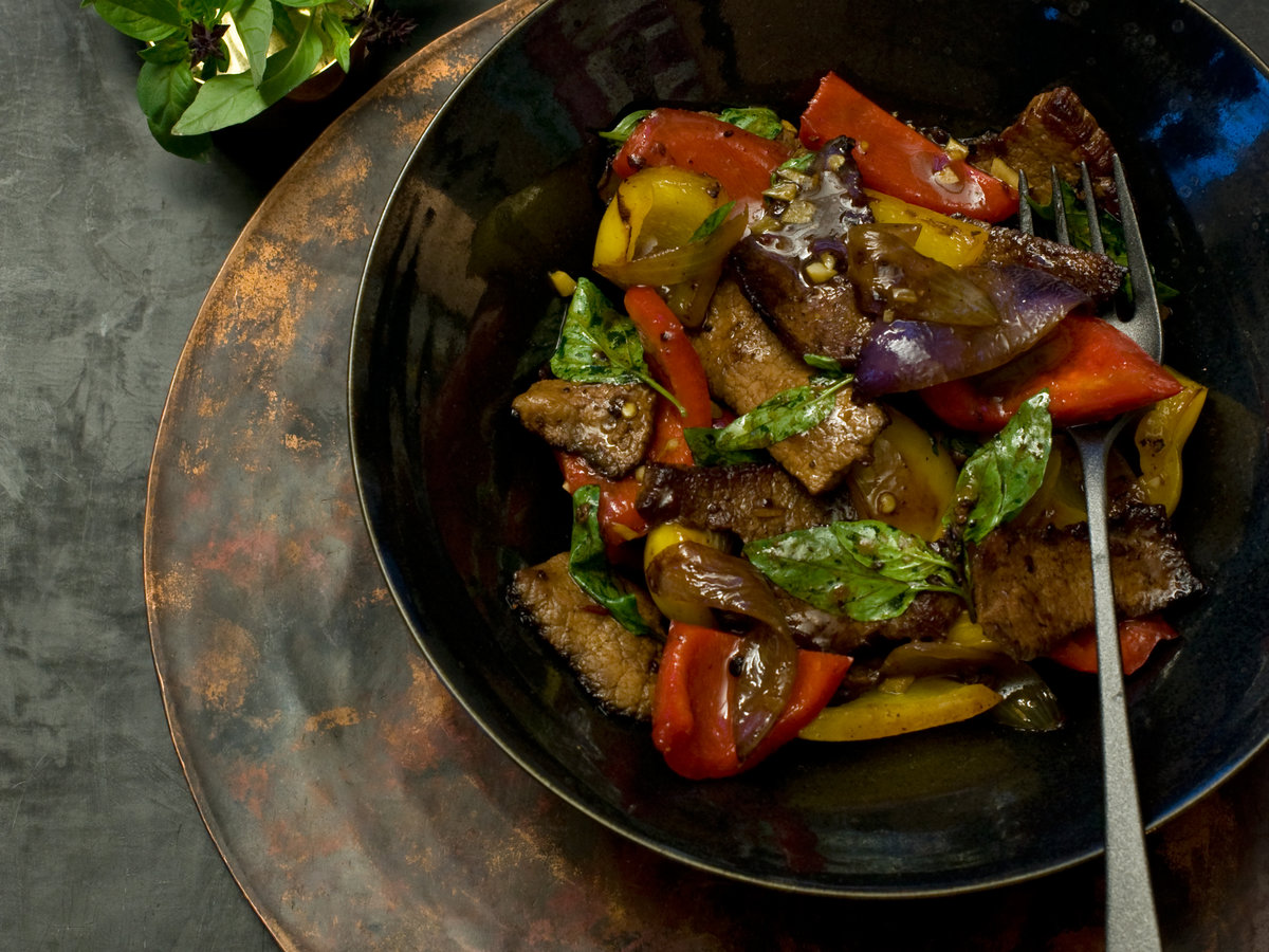 images-sys-201202-r-beef-with-red-yellow-peppers.jpg