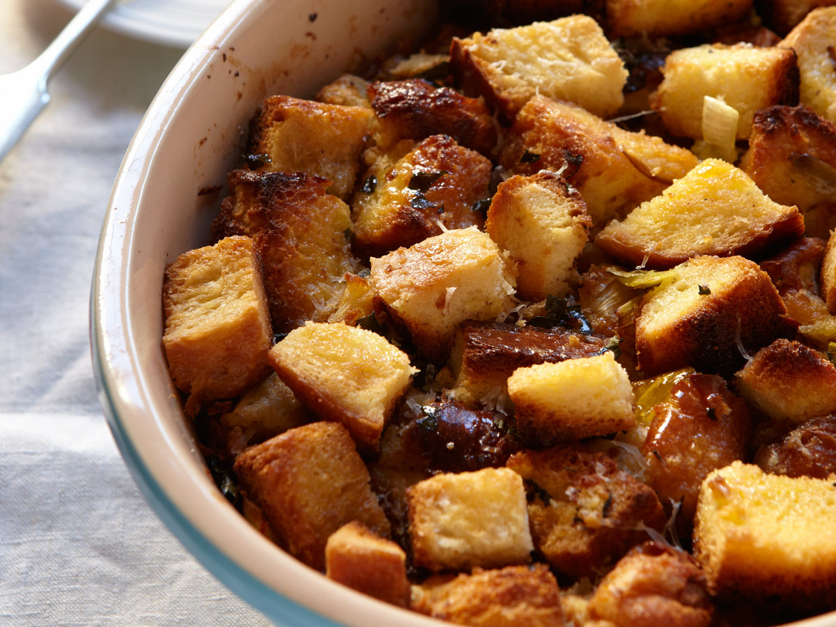 original-201202-r-bread-pudding-with-leeks-and-garlic.jpg