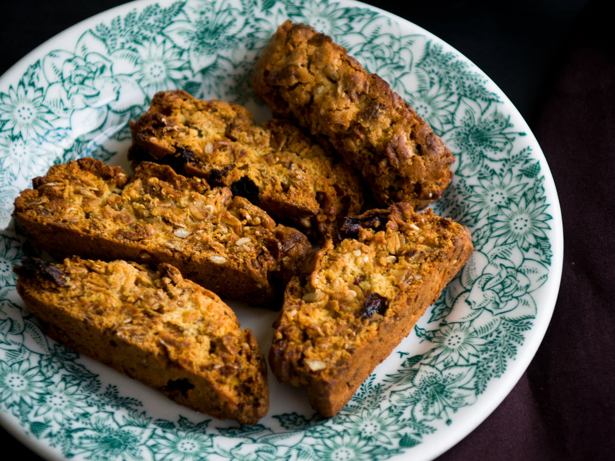 original-201202-r-brown-sugar-granola-biscotti.jpg