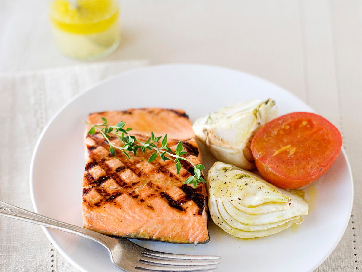 images-sys-201202-r-salmon-fennel-tomatoes.jpg