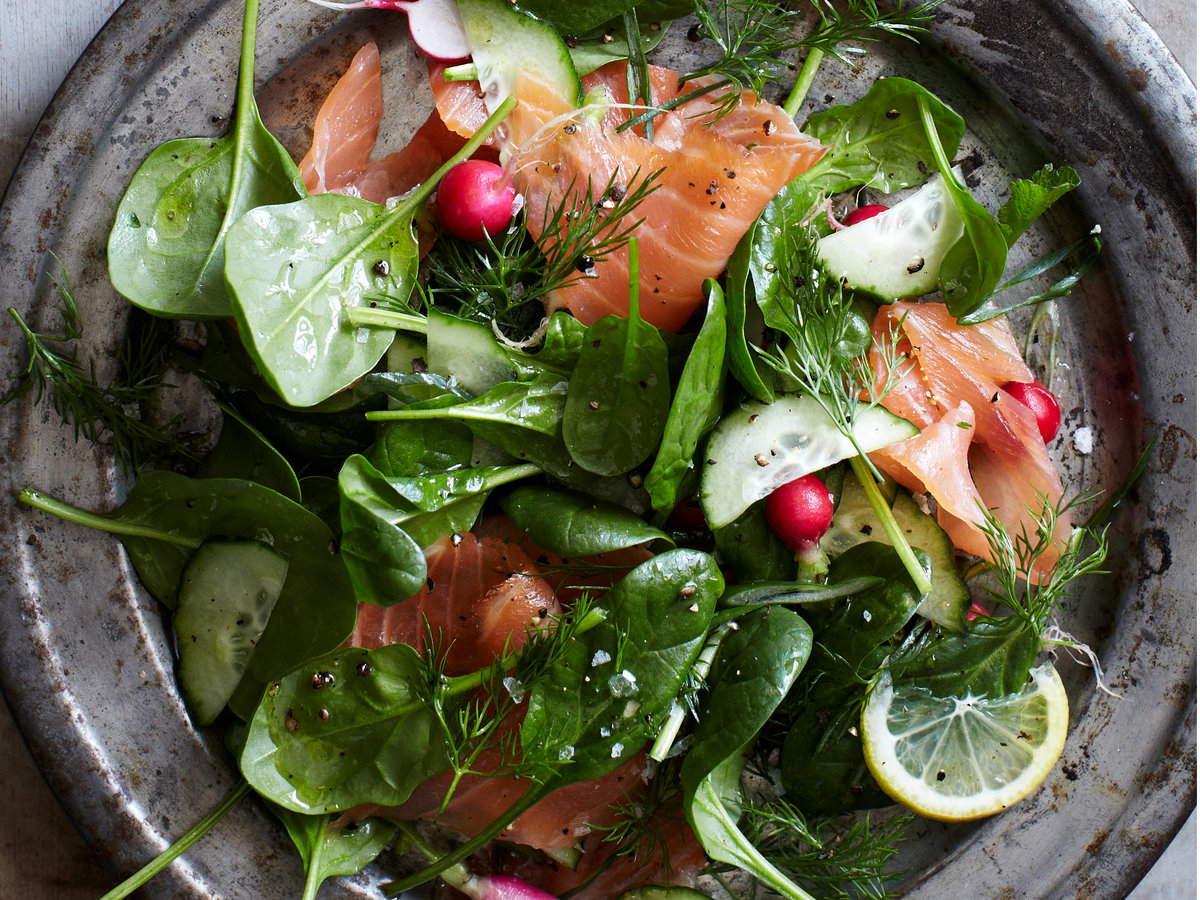 Spinach and Smoked Salmon Salad with Lemon-Dill Dressing ...