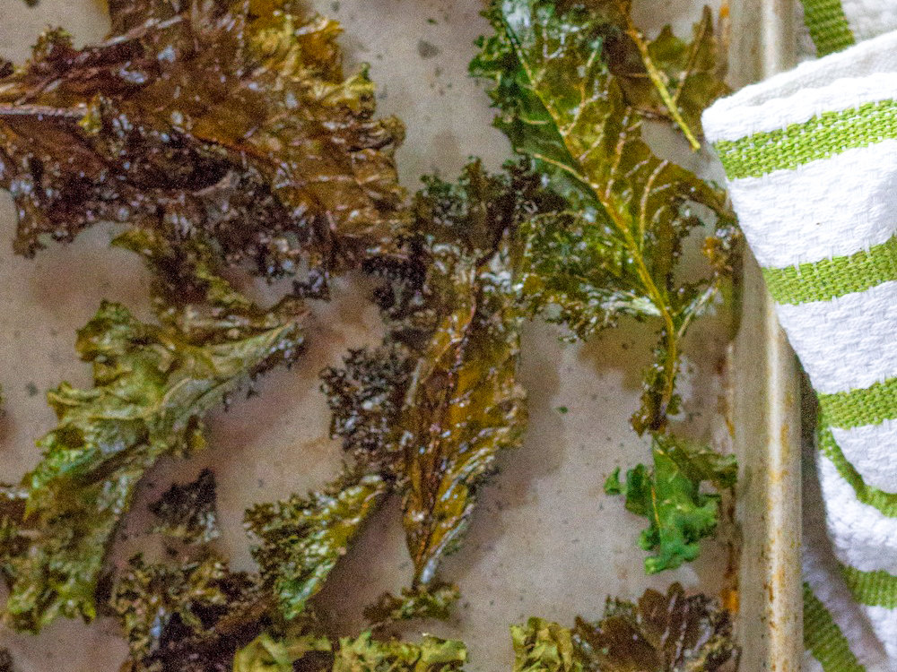original-201402-r-oven-roasted-kale-chips.jpg