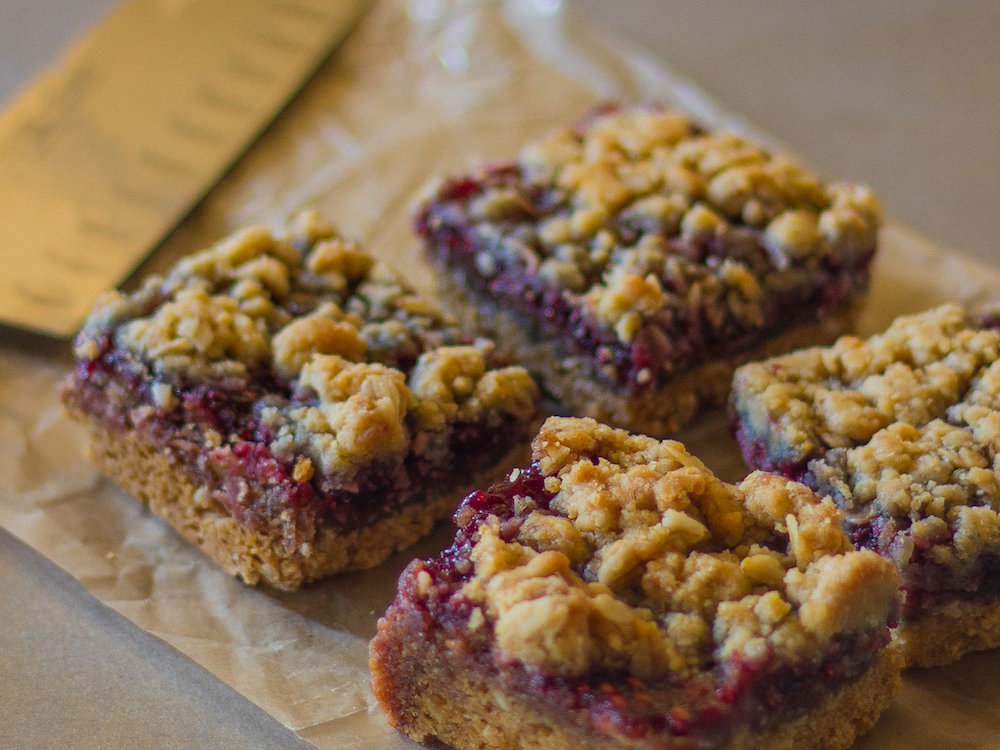 original-201402-r-raspberry-streusel-bars.jpg