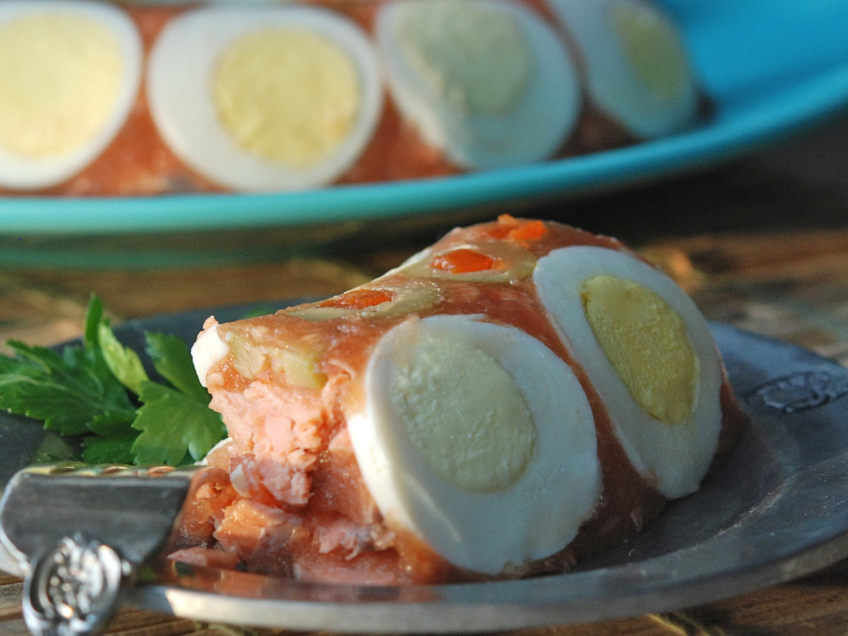 images-sys-201201-r-zimmern-salmon-tomato-aspic.jpg