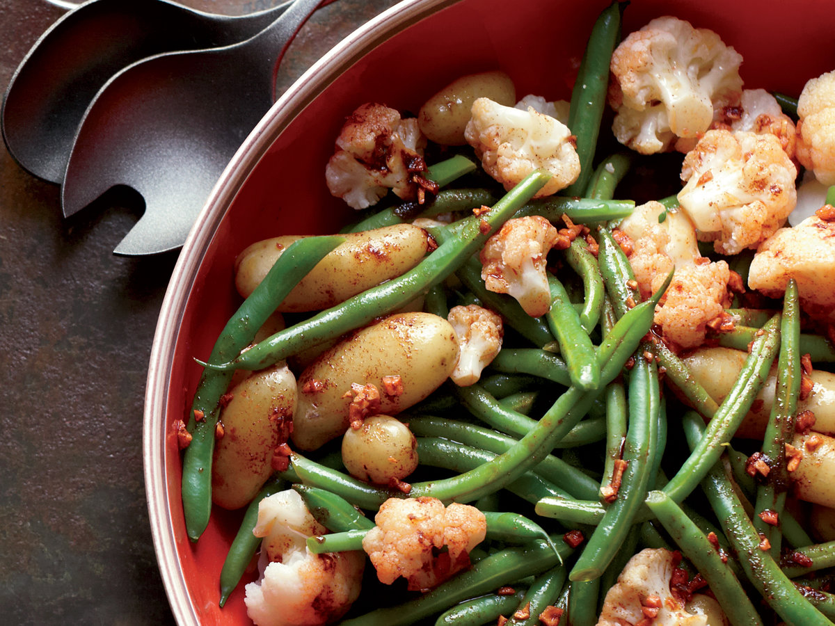 images-sys-201202-r-garlicky-potatoes-green-beans-and-cauliflower.jpg