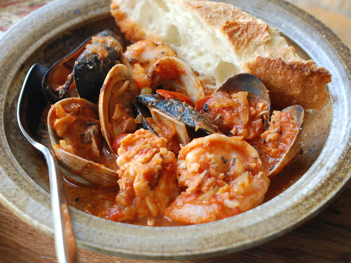 original-201207-r-zimmern-cioppino-with-mussels.jpg