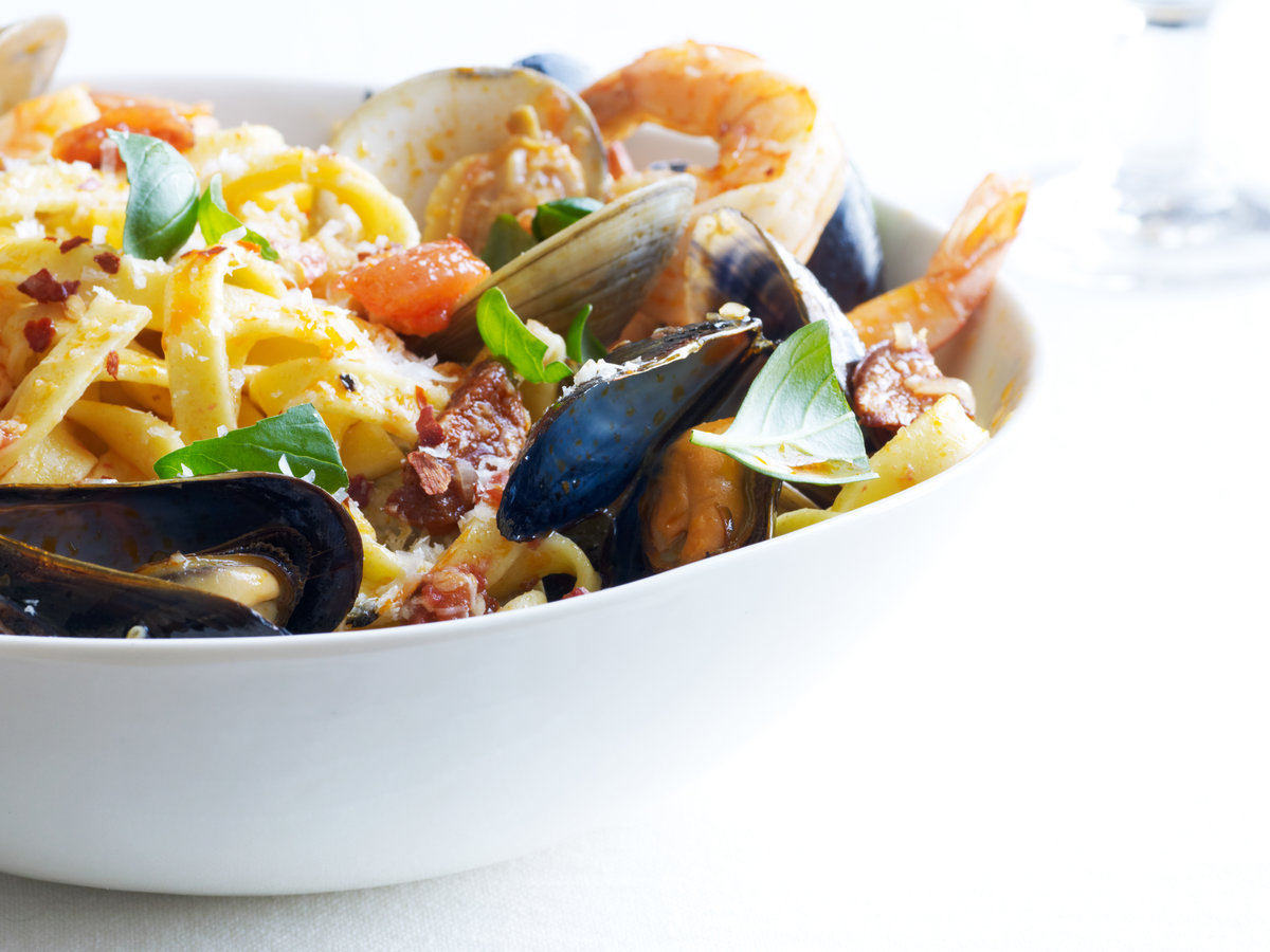 original-201207-r-fettuccine-with-spicy-shellfish.jpg