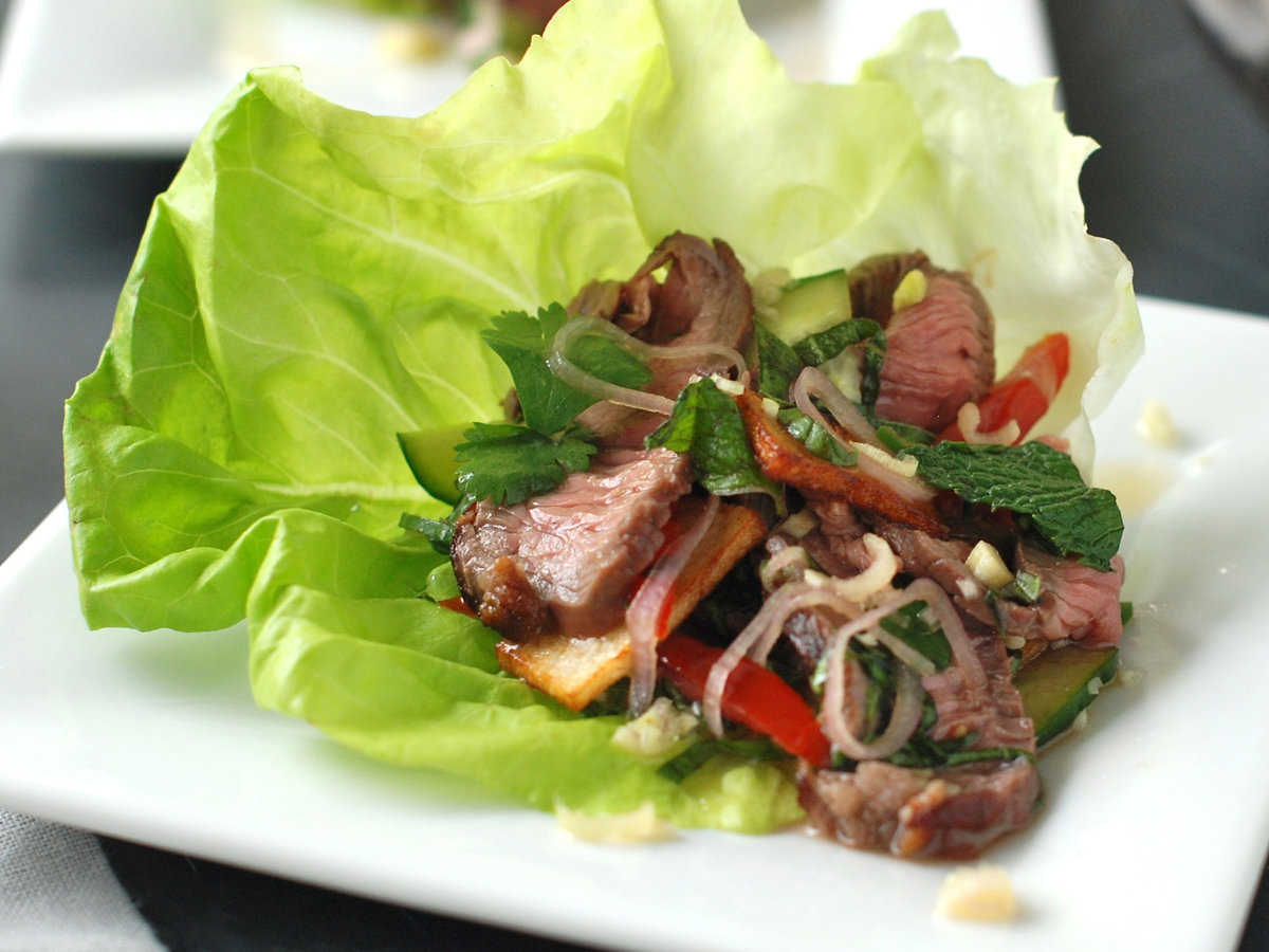 original-201208-r-zimmern-thai-style-spicy-grilled-beef-salad-with-potato-crisps.jpg