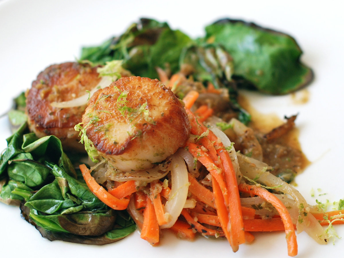 original-201209-r-zimmern-scallops-green-curry-spinach.jpg
