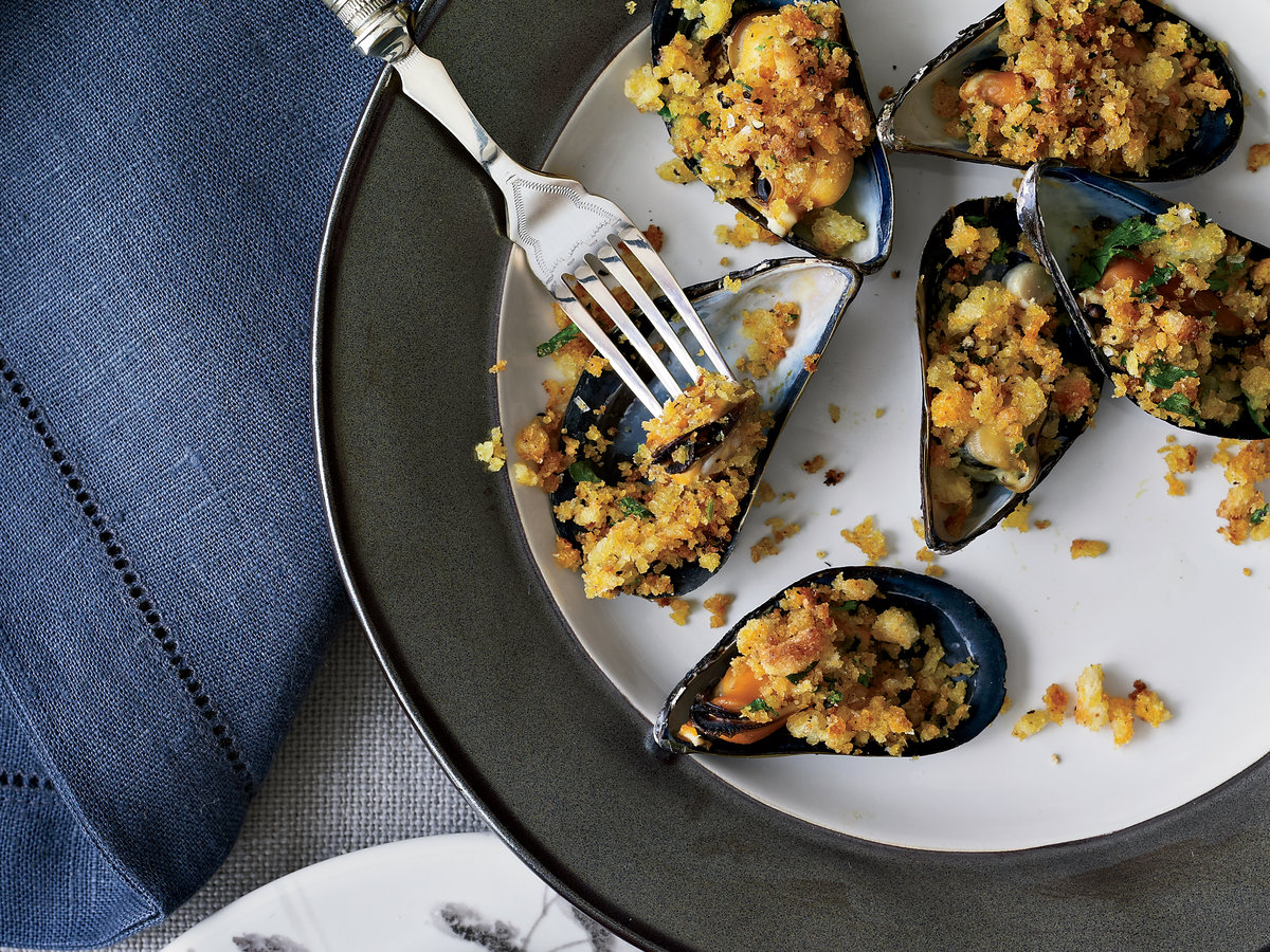 original-201210-r-mussels-on-the-half-shell-with-curried-crumbs.jpg