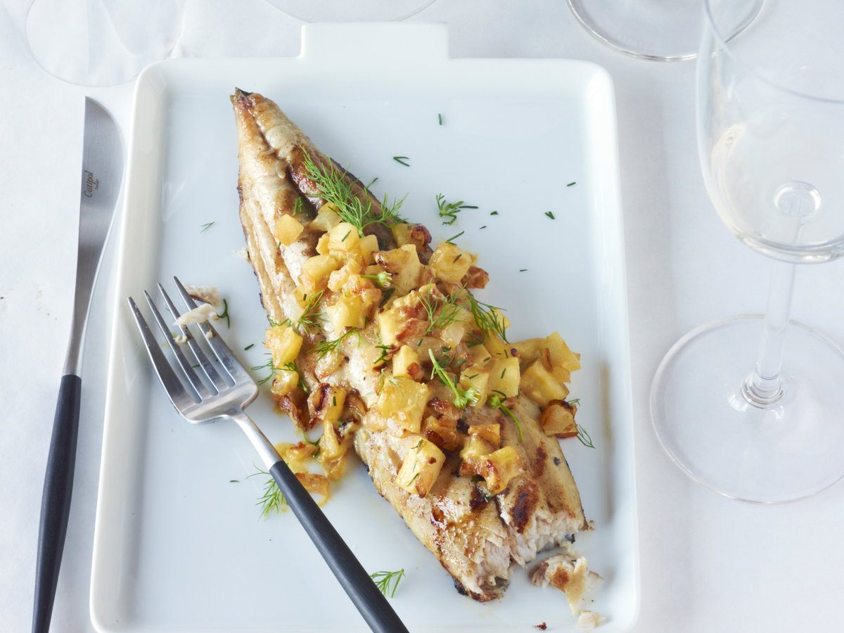 original-201211-r-grilled-mackerel-with-apple-and-onion-relish.jpg