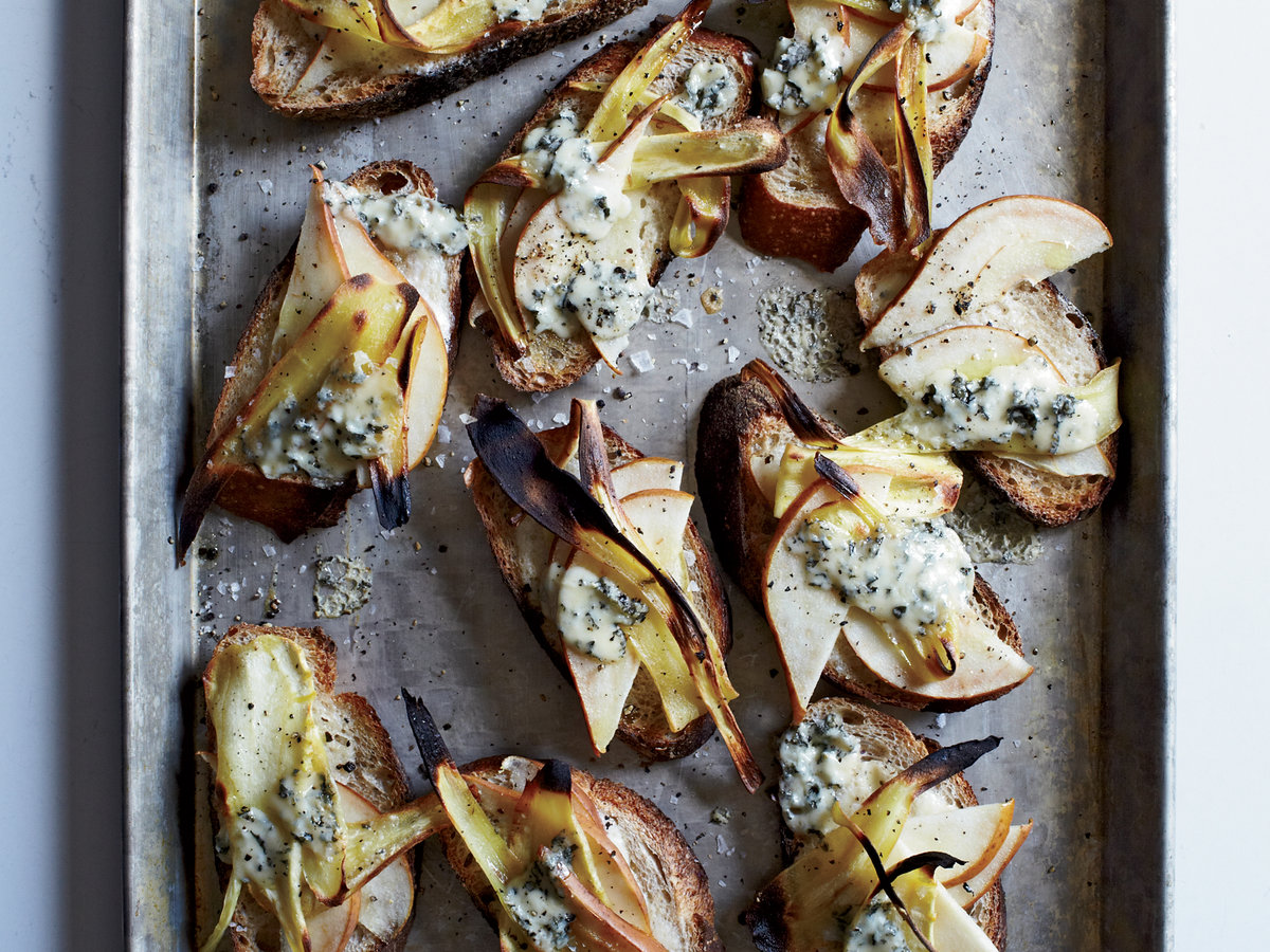 original-201211-r-pear-parsnip-and-fourme-d-ambert-tartines.jpg