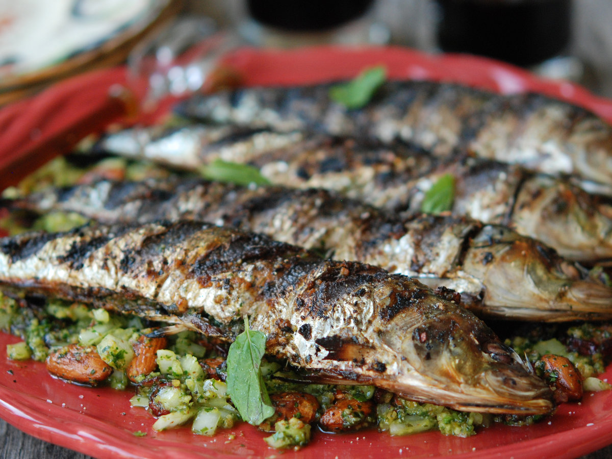 original-201301-r-grilled-sardines-with-mint-and-almonds.jpg