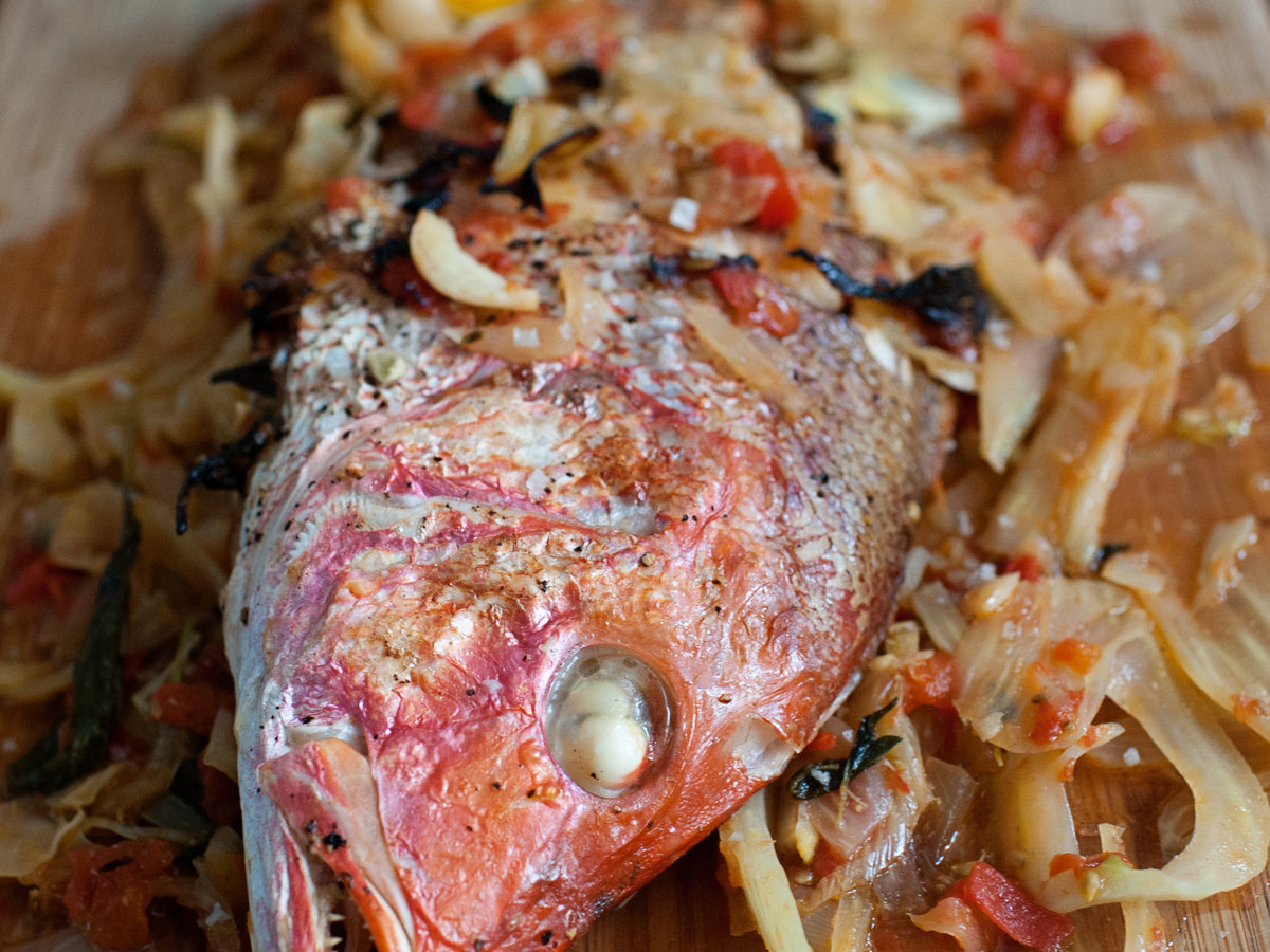 How long to cook whole red fish in oven