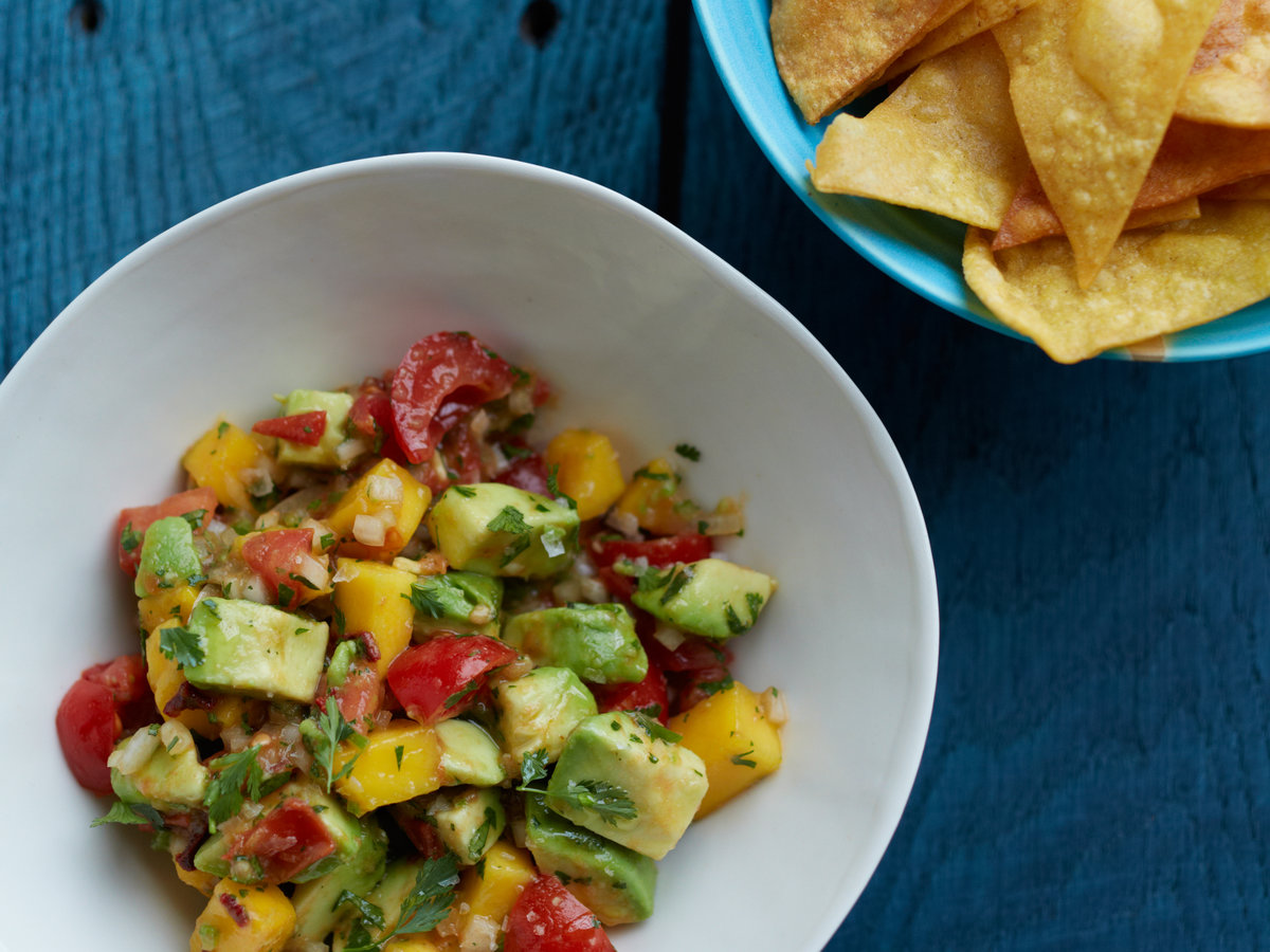 original-201305-r-smoked-chile-and-mango-guacamole.jpg