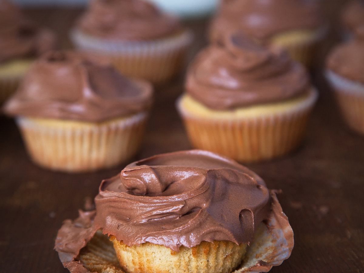 Vanilla Bean Golden Cupcakes with Chocolate Frosting