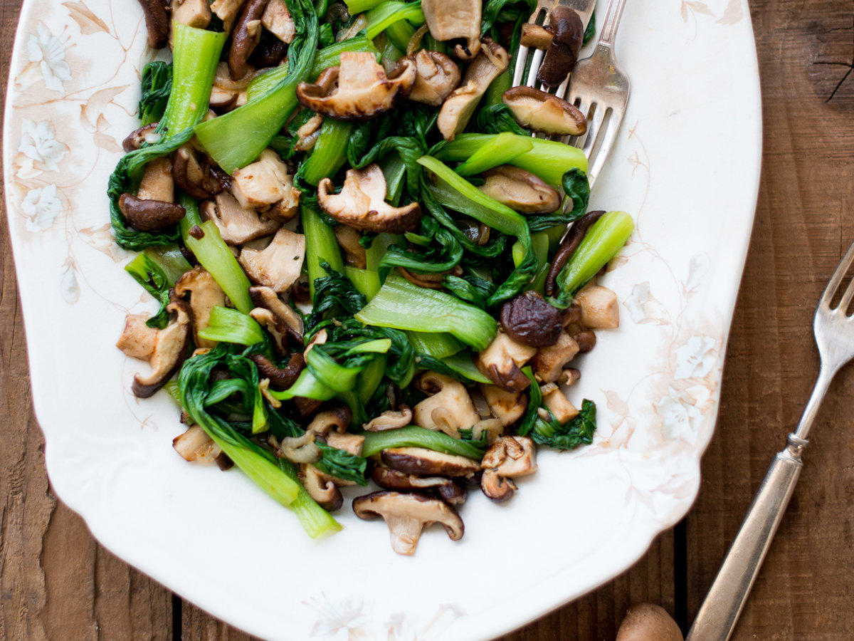original-201310-r-bok-choy-with-shiitake-mushrooms.jpg