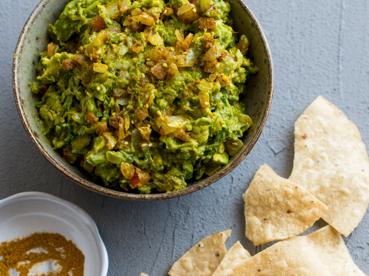 original-201310-r-curry-guacamole.jpg